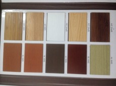 Cách phân biệt rèm gỗ tự nhiên và rèm gỗ công nghiệp